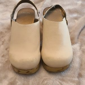 Girl's Clogs size 1